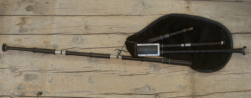 Central French style bagpipe in G